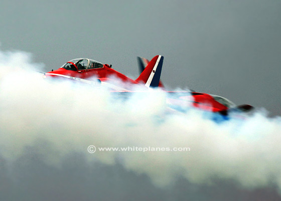 RA0008 - BAe Hawk T1/T1a RED ARROWS Synchro Pair cross